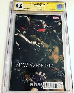 CGC 9.8 SS New Avengers #33 Variant Cover signed by Jeremy Renner Age of Ultron