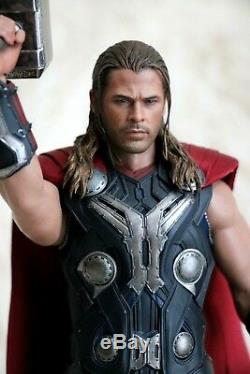 Excellent Condition Hot Toys Age of Ultron Thor MMS306
