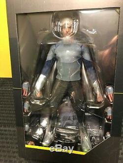 Hot Toys Avengers Age Of Ultron Quicksilver MMS 302 1/6th Scale Figure