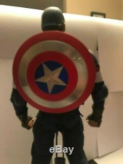 Hot Toys Avengers Age of Ultron Captain America MMS