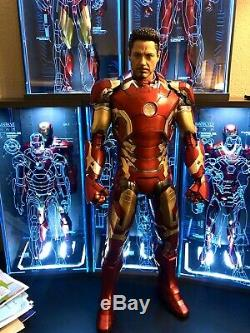 Hot Toys Iron Man Age of Ultron Mark 43 1/4 QS005