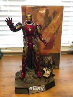 Hot Toys Iron Man Mark 43 Diecast 1/6 scale from Avengers Age of Ultron