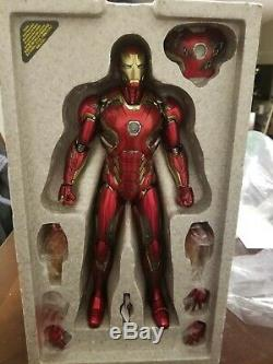 Hot Toys Iron Man Mark XLV Avengers Age Ultron DIECAST MMS300D11 Sideshow Exclus