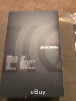 Hot Toys MMS281 Captain America Avengers Age of Ultron 1/6 scale figure