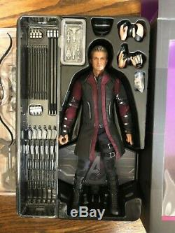 Hot Toys MMS289 Hawkeye 1/6 Scale Avengers Age of Ultron Movie Masterpiece in US
