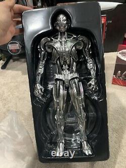 Hot Toys MMS 284 Avengers Age of Ultron, Ultron Prime 1/6 Scale Figure Marvel