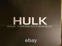 Hot Toys MMS 287 Hulk Avengers Age of Ultron with box. 2 upper body sculpts