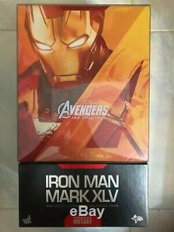 Hot Toys MMS 300 D11 Avengers Age of Ultron Iron Man 3 Mark 45 XLV Diecast USED
