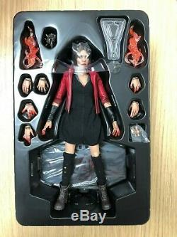 Hot Toys MMS 301 Avengers Age of Ultron AOU Scarlet Witch Elizabeth Olsen USED