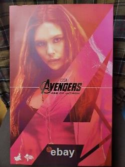 Hot Toys Scarlet Witch Avengers 2 Age of Ultron Figure Scale 1/6 MMS301